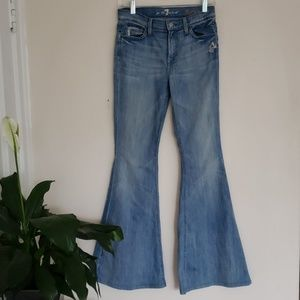 7 FOR ALL MANKIND bell-bottom s size 26 light wash